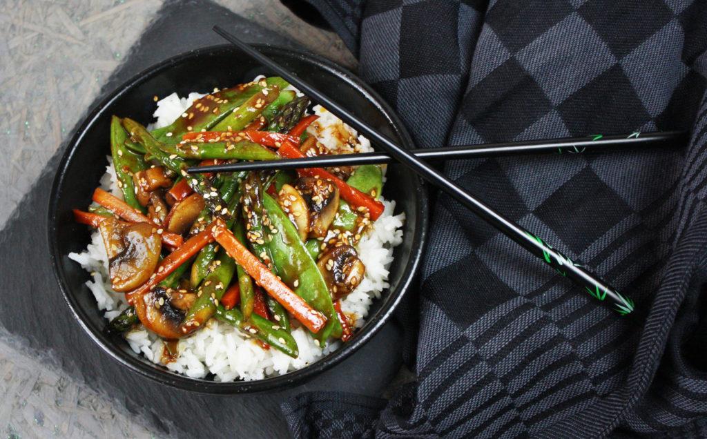 Asia-Gemüse mit geröstetem Sesam | Toastenstein