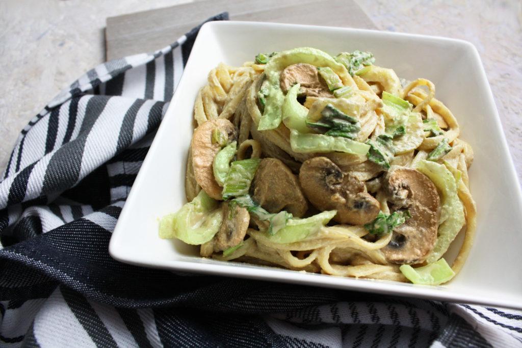 Cremige Pasta mit Pilzen und Pak Choi   Toastenstein