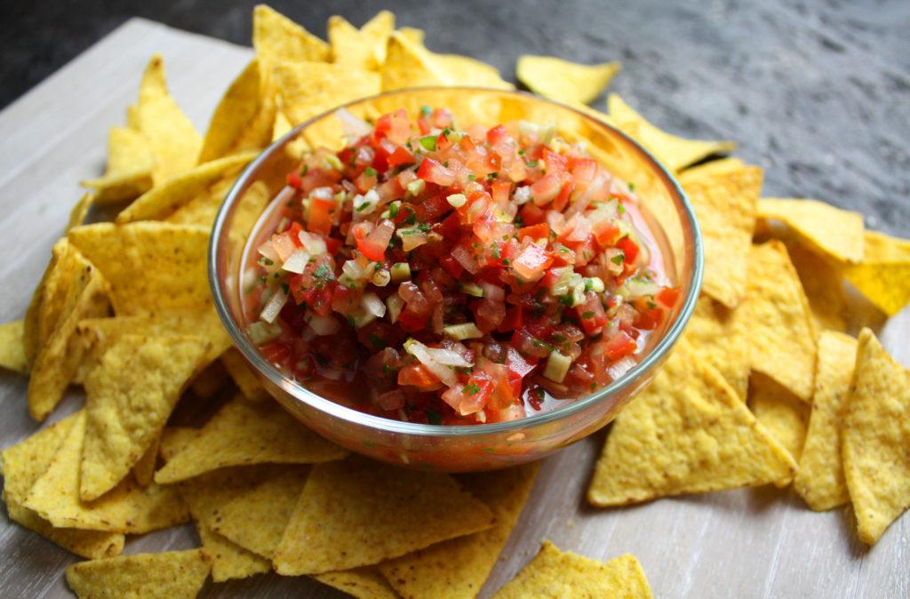 Frische Tomaten-Salsa mit Pfefferschoten | Toastenstein