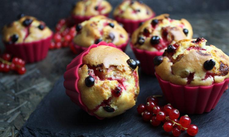 Johannisbeer-Muffins mit Joghurt