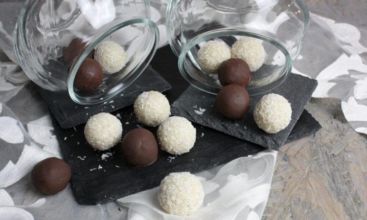Süße Kokos-Bällchen ohne Zucker