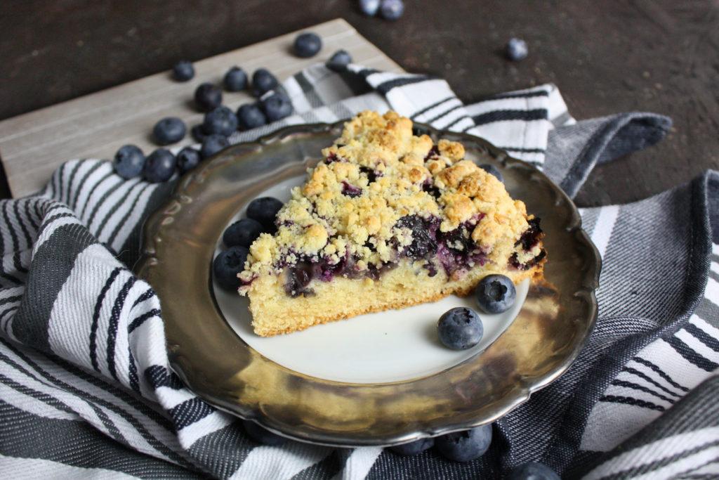 Schneller Streuselkuchen mit Blaubeeren | Toastenstein