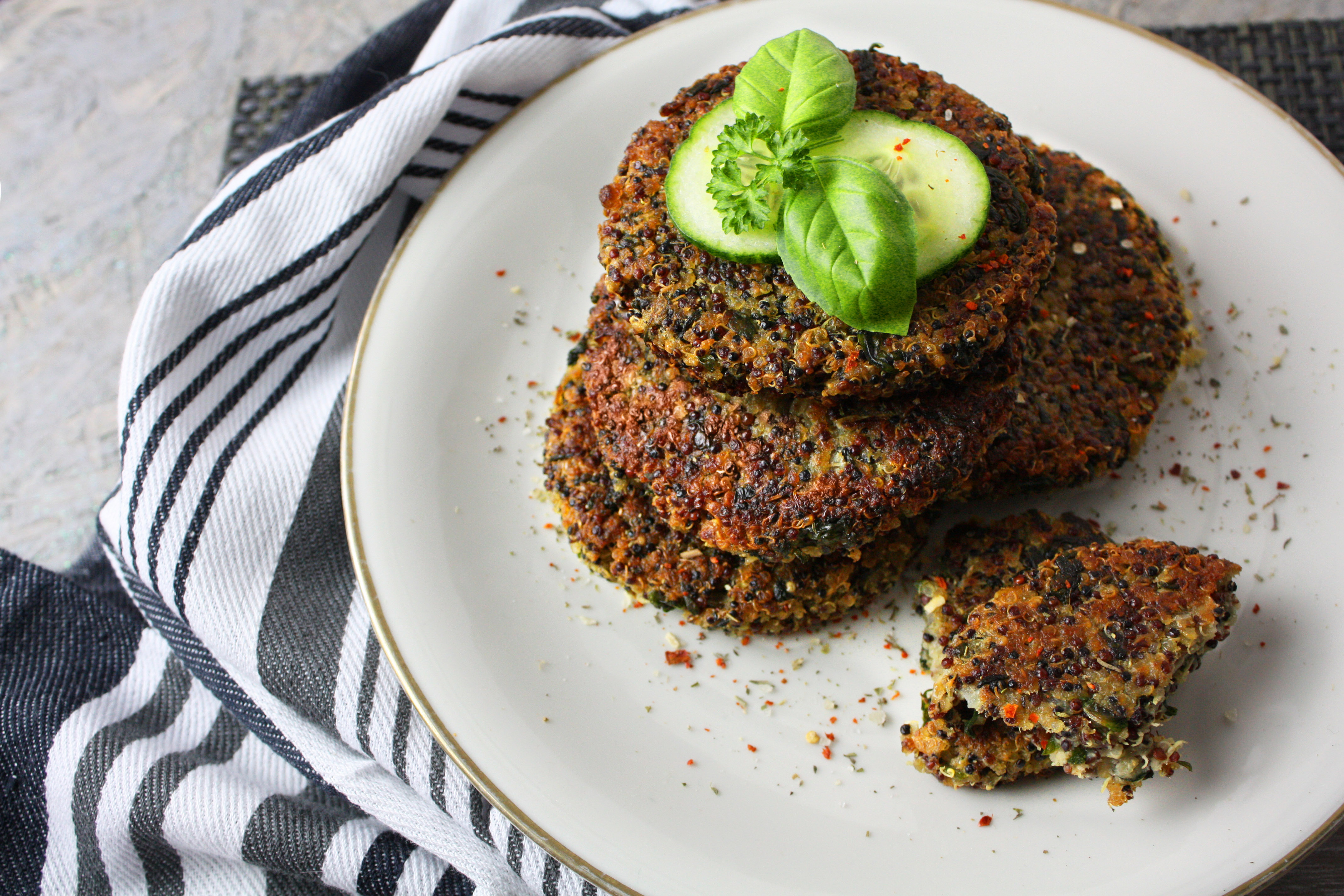 Kernig und gesund – Quinoa-Spinat-Bratlinge