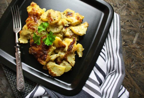 Kartoffelgratin mit Kräutern und Hefeschmelz