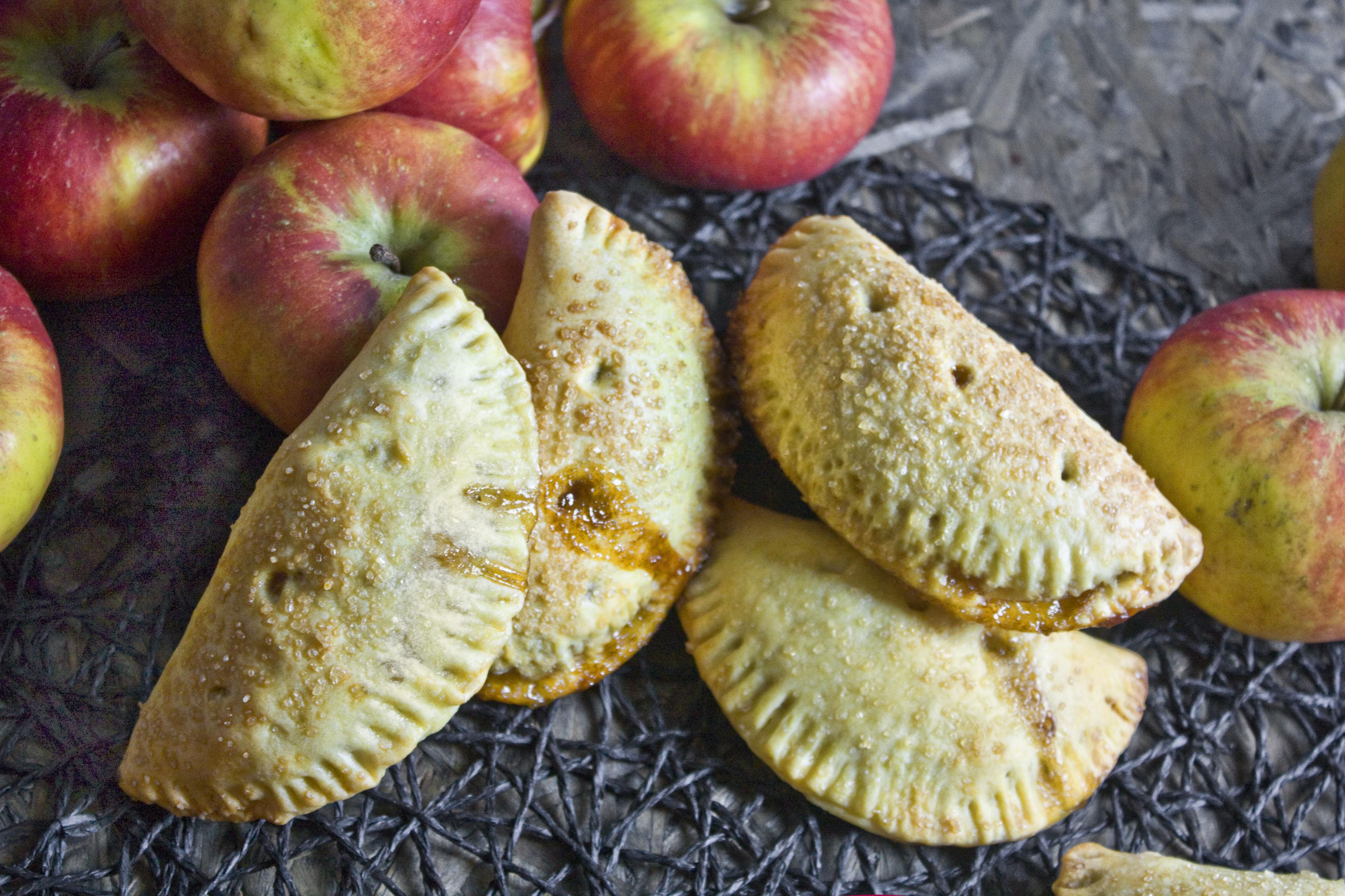 Hand Pies – Handkuchen mit Apfel-Karamell-Füllung