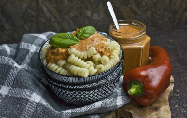 Paprika-Pesto mit Walnüssen