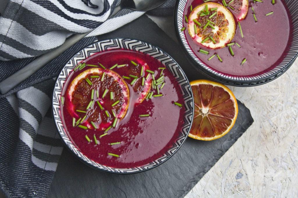 Rote Bete-Suppe mit Blutorangen