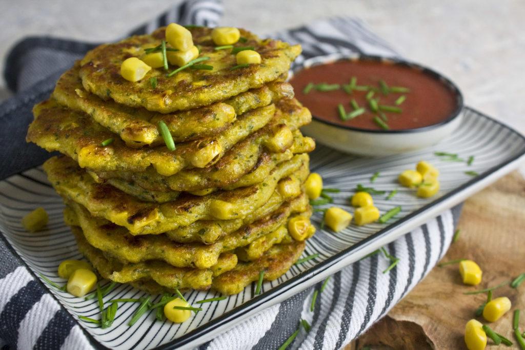Polenta-Puffer mit Mais und Petersilie