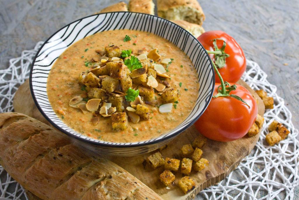 Knoblauch-Mandel-Suppe