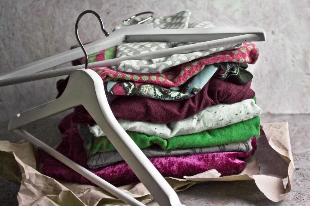 Zero Waste - Kleidung second hand kaufen - Nachhaltigkeit im Schlafzimmer | Toastenstein