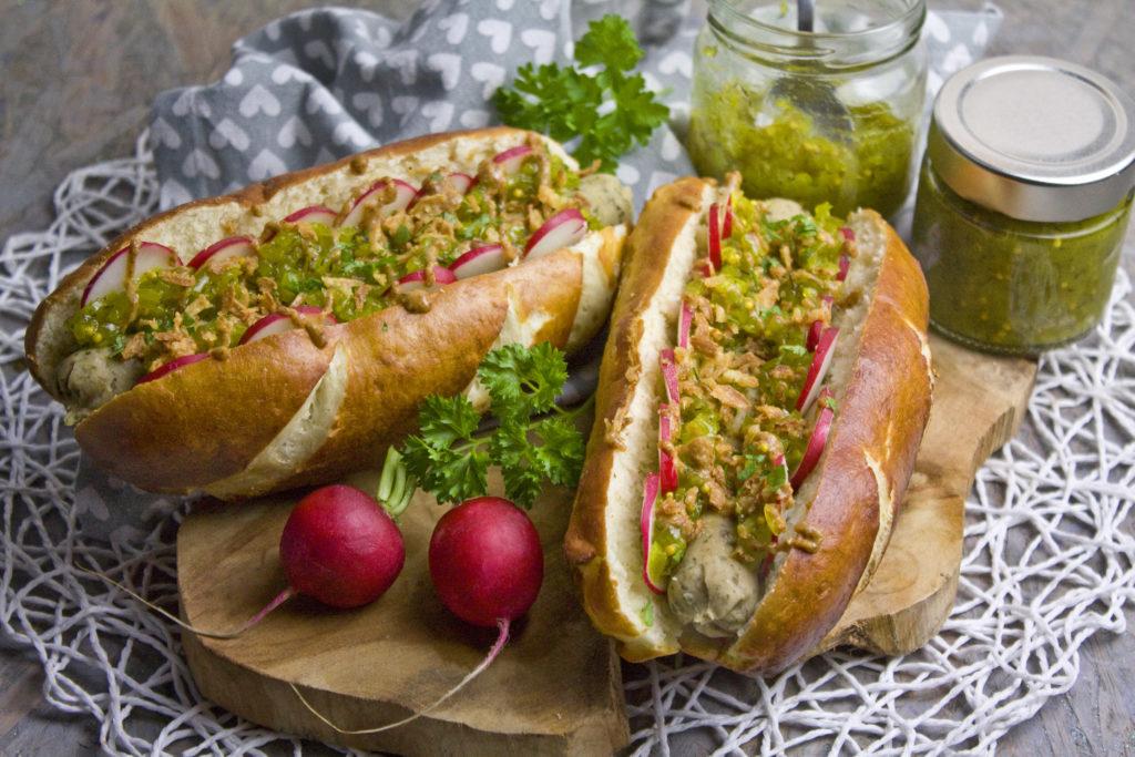Oktoberfest-Hotdogs mit Gurken-Relish | Toastenstein
