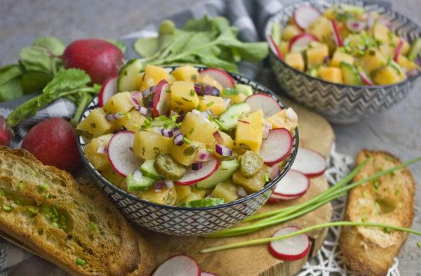 Steckrüben-Salat mit Radieschen