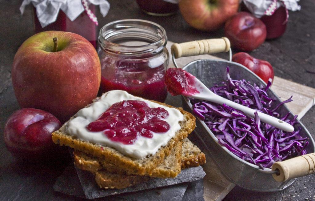 Rotkohl-Marmelade mit Apfel und Pflaume | Toastenstein