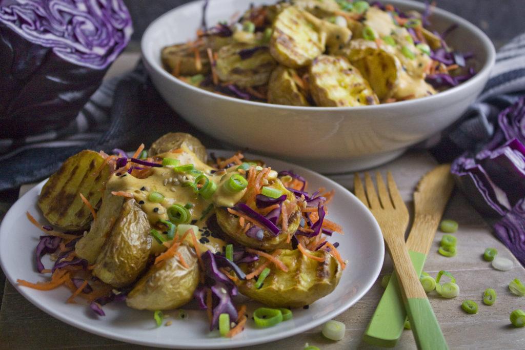 Kartoffel-Rotkohl-Salat mit Masala-Joghurt-Dressing | Toastenstein