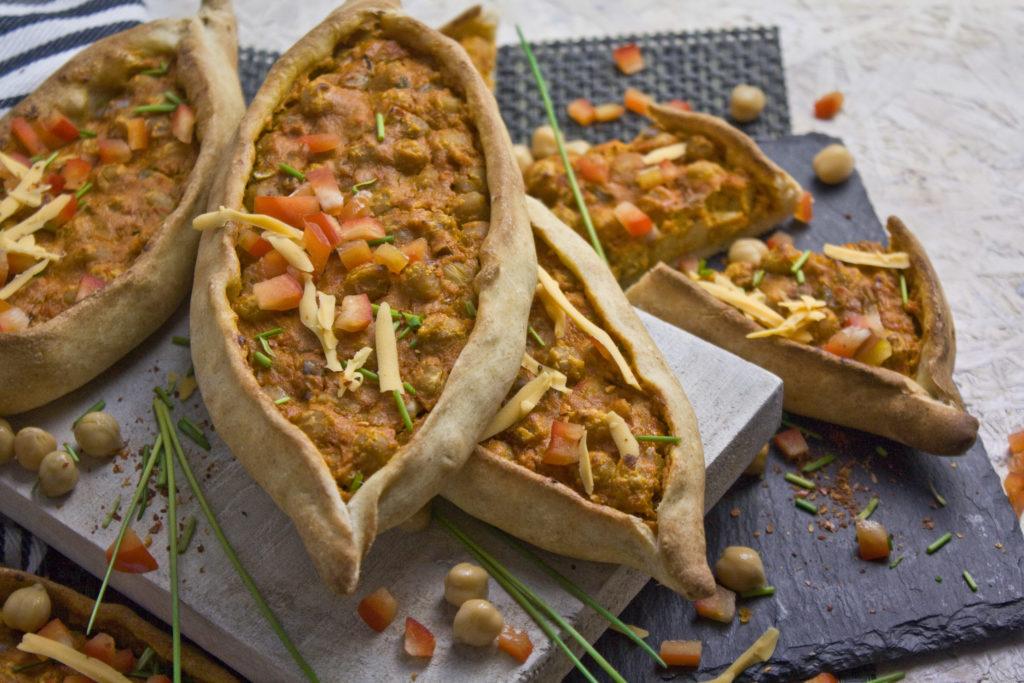 Kichererbsen-Schiffchen mit Paprika | Toastenstein