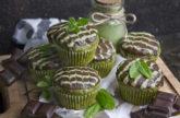 Matcha-Minz-Muffins mit Schokolade