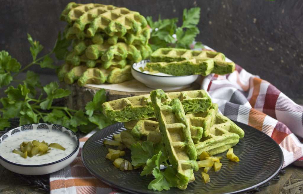 Monstergrüne Petersilien-Waffeln mit Zucchini | Toastenstein
