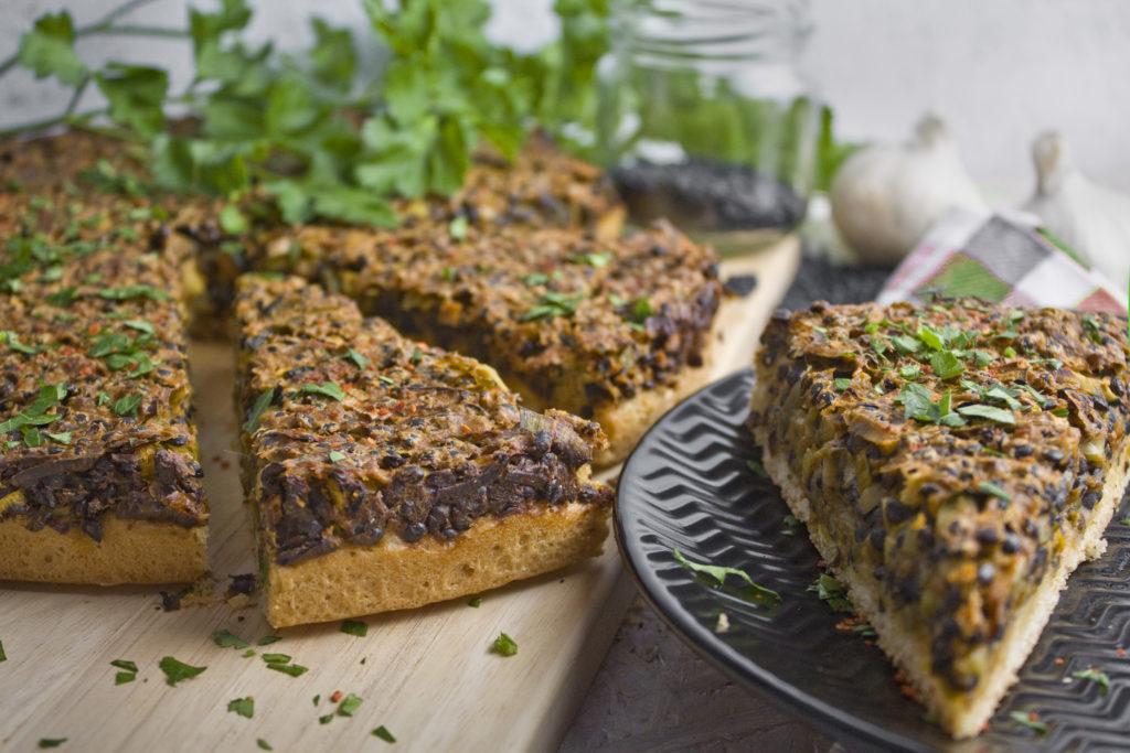 Deftiger Linsen-Lauch-Kuchen mit Zucchini | Toastenstein