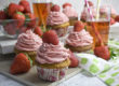 Sommerliche Erdbeer-Rhabarber-Cupcakes | Toastenstein