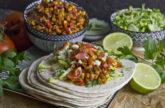 Tempeh-Tacos mit Mais und Paprika