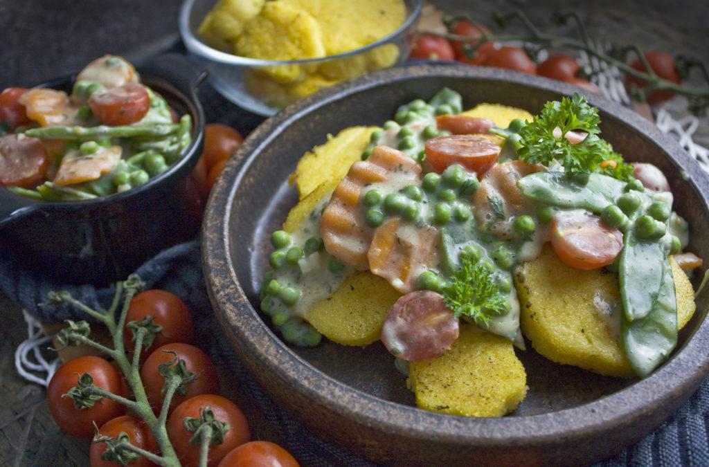 Gartengemüse-Ragout mit Polenta-Talern | Toastenstein