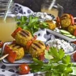 Gegrillte Curry-Knödel mit Gurken-Raita | Toastenstein