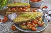Croque-Monsieur mit marinierten Tomaten