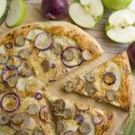 Apfel-Bratwurst-Pizza [Frankenfood] | Toastenstein