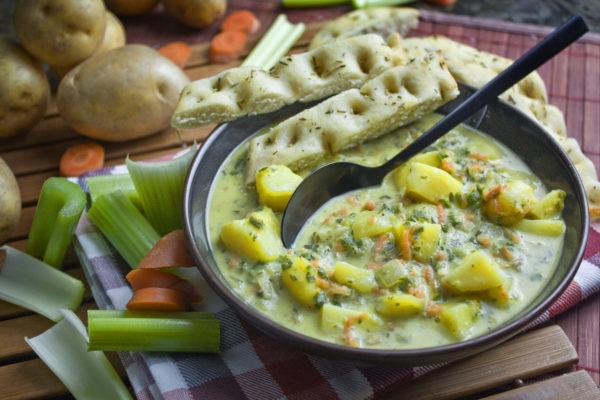 Cremige Kartoffel-Grünkohl-Suppe | Toastenstein
