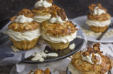 Vegane Bienenstich-Cupcakes - Happy Birthday!