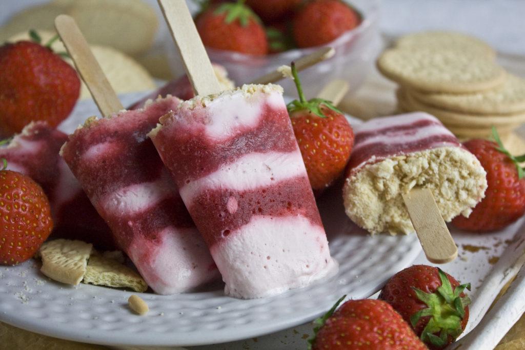 Erdbeer-Käsekuchen-Eis [Frankenfoods] | Toastenstein
