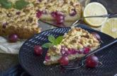Stachelbeer-Streuselkuchen mit Pudding