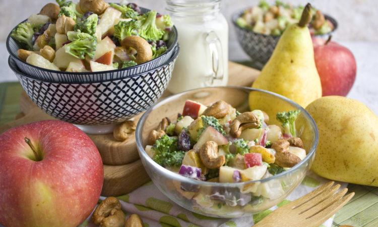 Brokkoli-Obstsalat mit Joghurt-Dressing | Toastenstein