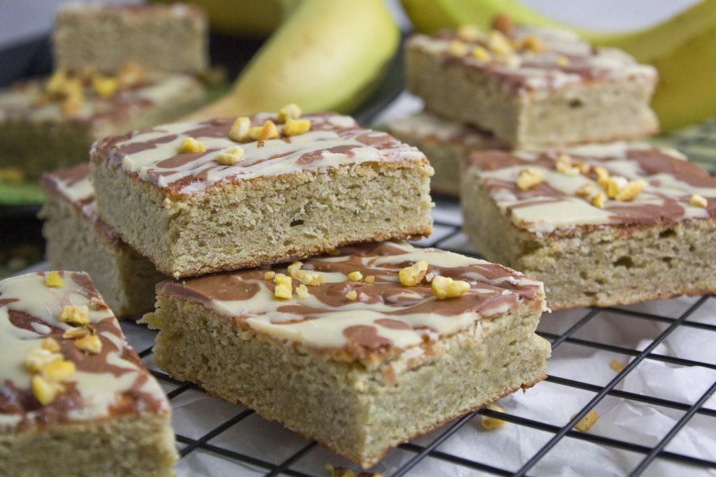 Bananen-Blondies mit weißer Schokolade | Toastenstein