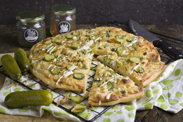 Knoblauch-Gurken-Pizza   Toastenstein
