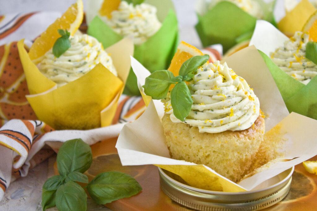 Basilikum-Orangen-Cupcakes | Toastenstein
