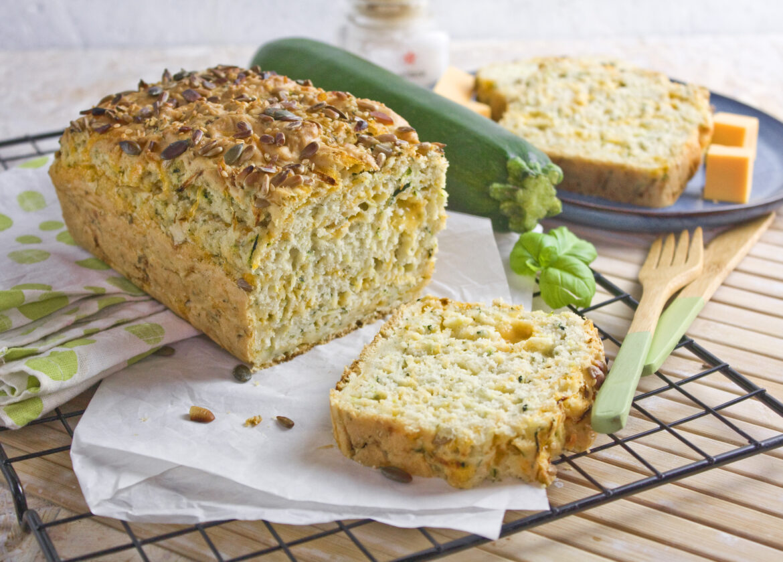 Herzhafter Zucchini-Cheddar-Kuchen | Toastenstein