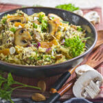 Reisnudel-Gemüse-Salat mit Erdnuss-Dressing