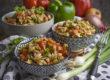 Gyros-Nudel-Salat mit Paprika und Tomaten